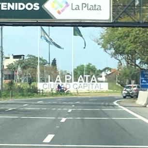 Rotonda de llegada a La Plata
